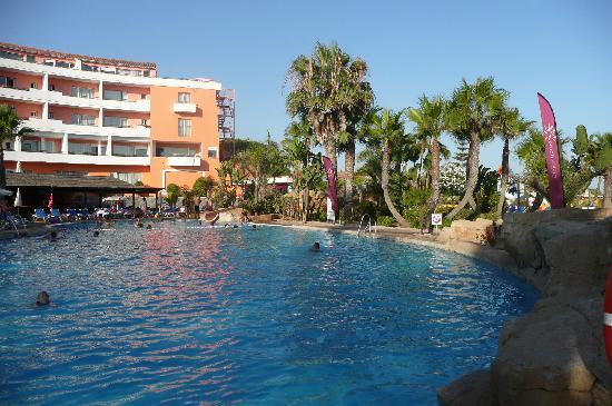 Marbella Playa Hotel: Blick zum Pool