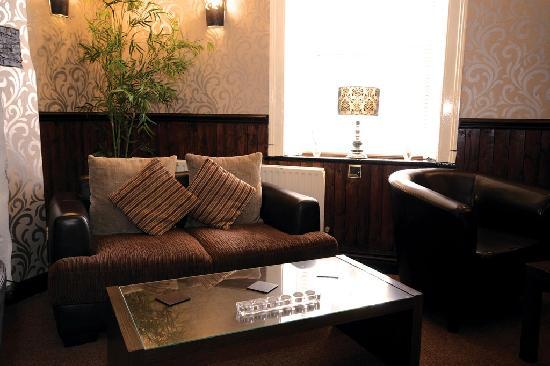 Hardwick Arms Hotel: Lounge area
