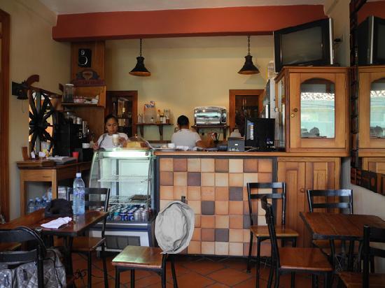 Yat B'alam Boutique Hotel: b'alam cafe