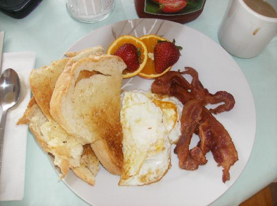 Bayview Country Inn: Breakfast