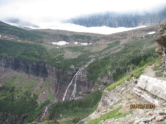 Hiking to Grinnell Glacier