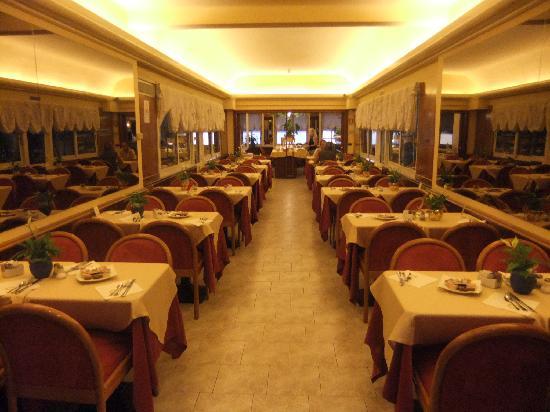 Best Western Hotel Moderno Verdi: Sala colazione e ristorante