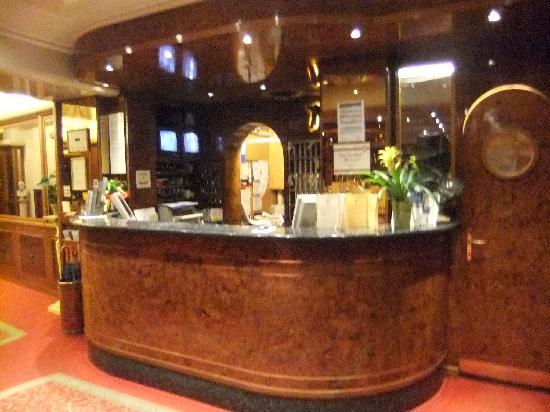 Best Western Hotel Moderno Verdi: Reception