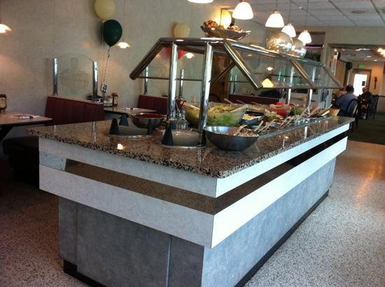 Hamilton Family Restaurant: Good, clean salad bar!