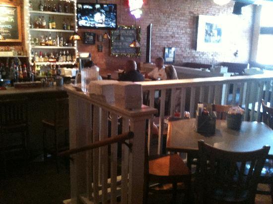 Big Fish Seafood Grill & Bar : ---