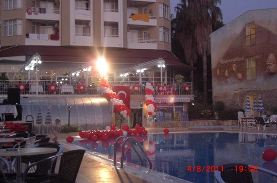 Incekum Su Hotel: Pool Party