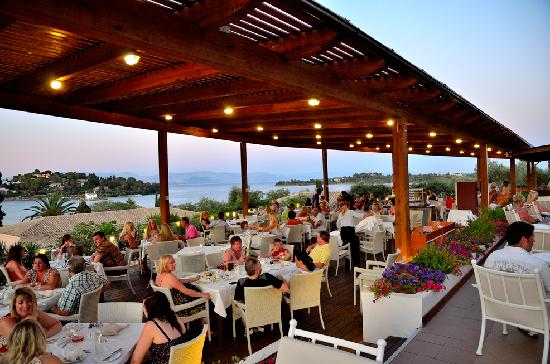 Louis Corcyra Beach Hotel: Dinner with a fantastic view