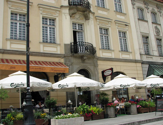 Literatka: Terrace on the square