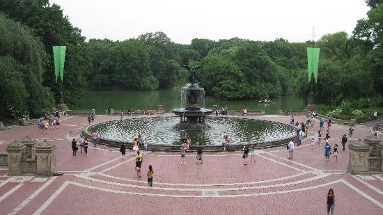 Wellington Hotel: Bethesda Fountain Central Park