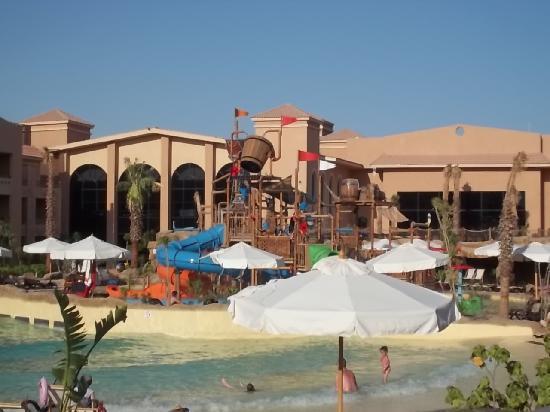 Coral Sea Aqua Club Resort: wavemachine