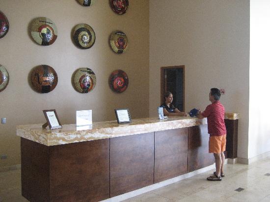 Condo-Hotel Playa Blanca: reception area