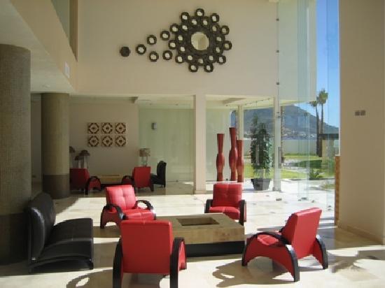 Condo-Hotel Playa Blanca: lobby bar sitting area