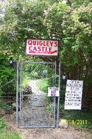 Quigley's Castle : Entrance Gate