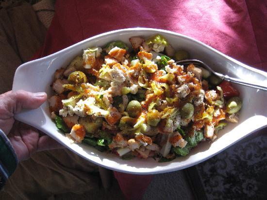 Lookaway Inn: Salad