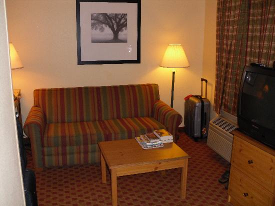 Extended Stay America - Washington, D.C. - Rockville: Sofa and reading area