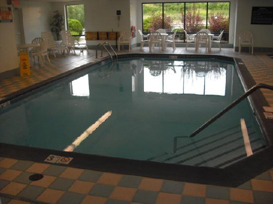 Hampton Inn Columbus-East: Pool