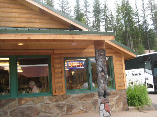 Glacier Highland Resort: Restaurant has great food