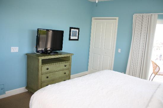 Harbour House at the Inn : clean, uncluttered and the bed was perfect!