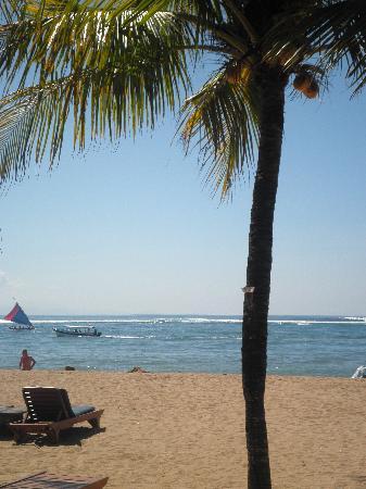 Besakih Beach Hotel: View at breakfast