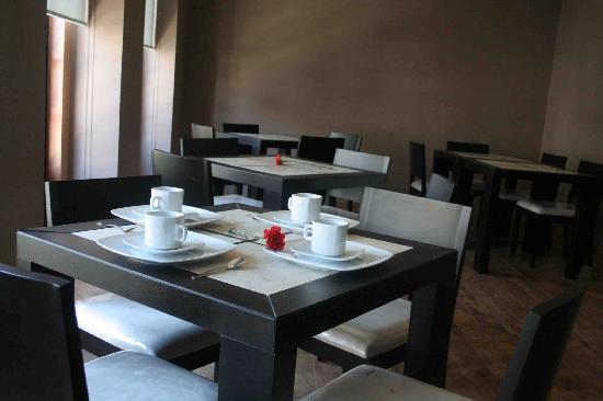 Terrasse Hotel: Cafe