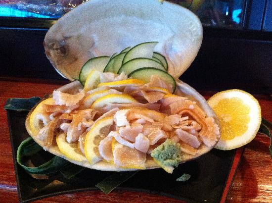 Momo's Sushi Japanese: I ordered the surf clam, it was sweet.
