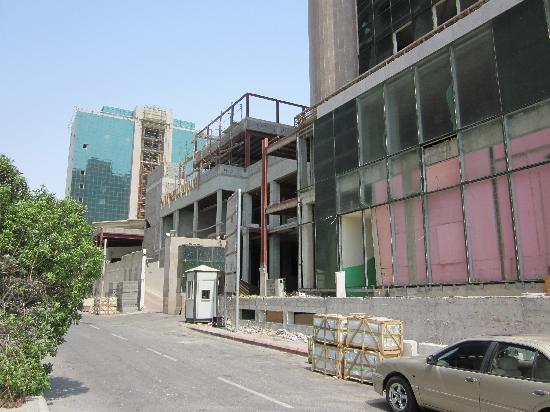 The Westin Jeddah : Outside the hotel (renovation)