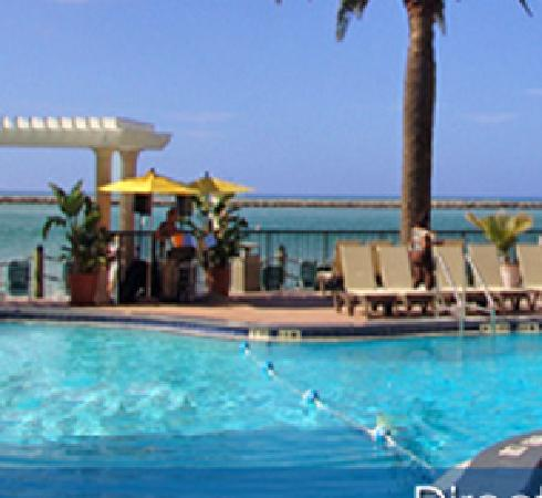 Quality Hotel On the Beach: Pool