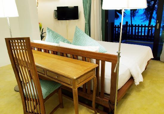 Koh Chang Grand View Resort: pool villa beach front