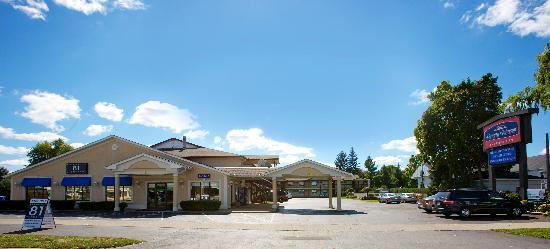 Howard Johnson Express Inn - Niagara Falls: getlstd_property_photo