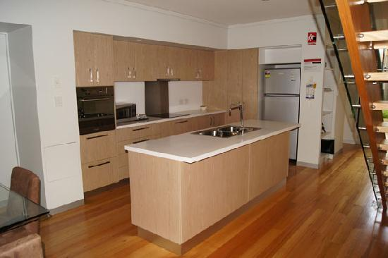 Seine Bay Apartments: Fully Equipped Kitchens