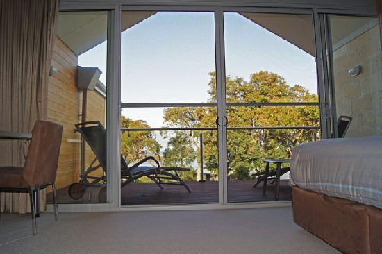 Seine Bay Apartments: Private Upstairs Balcony