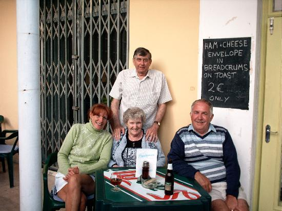 Rendezvous : Margaret and husband joining us
