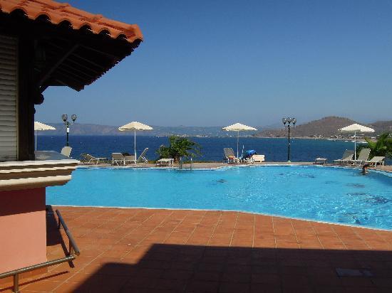 Balos Beach: piscina e mare, puro relax