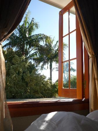 SummerHills Retreat Byron Bay: View while enjoying coffee in bed !
