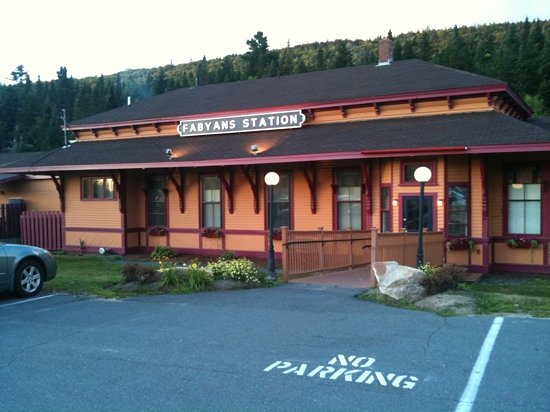 Fabyan's Station Restaurant and Lounge: Entrata Fabyans Station