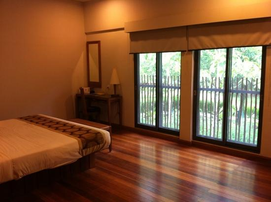 Gerik, Malaysia: Beautifully crafted bedroom