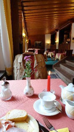 Alm- & Wellnesshotel Alpenhof: Afternoon cake