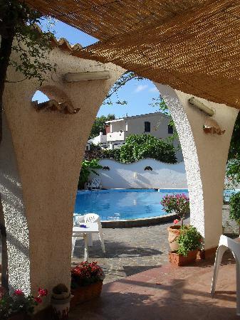 Hotel Punta Faro: Piscina