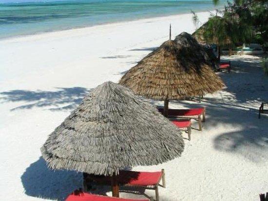 Makuti Beach Hotel: Beach