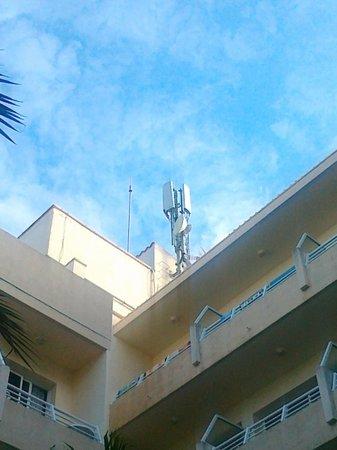 The Sea Hotel by Grupotel: 08/011 Antenna cellulare sulla capoccia