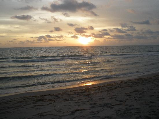 Sanibel Island, FL: Sunset at Captiva