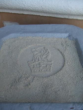 The Ritz-Carlton, Cancun: 吸い殻用の砂はいつもリッツのマーク
