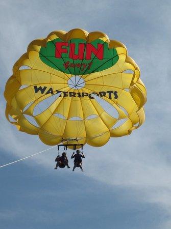 Fun 4 Every 1 Watersports Aruba: Tamdem Parasailing