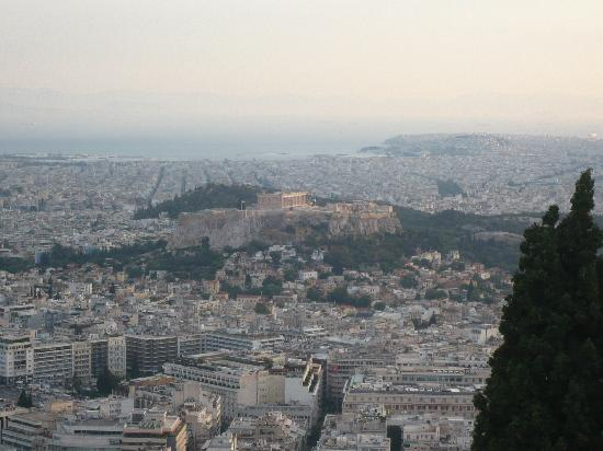 Glyfada Hotel: Overview of Acropolis from Restaurant