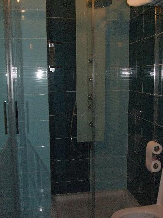 Albergo Bice: doccia spettacolare