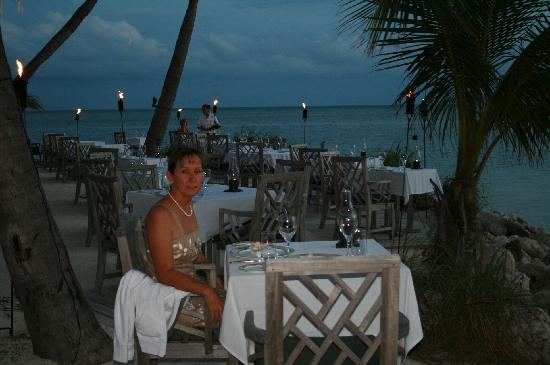 dining on the beach..breathtaking - picture of the dining room at