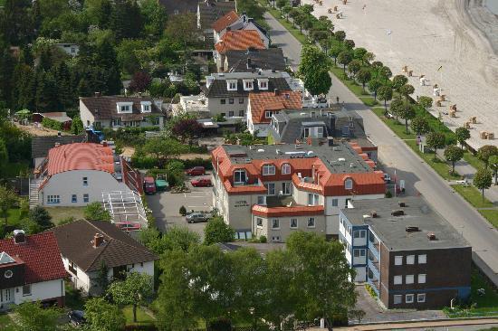 Seeterrassen: Blick aufs Hotel