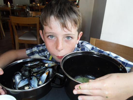 Y Sgwar: My big boy eating his mussels!