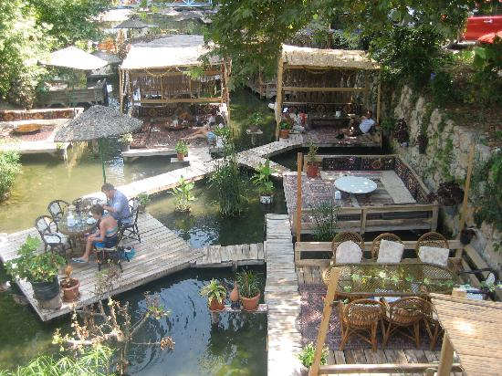 Arikanda River Garden Hotel: View of the restaurant