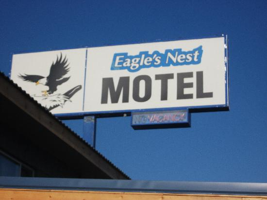 Eagle's Nest Motel: Friendly helpful staff.